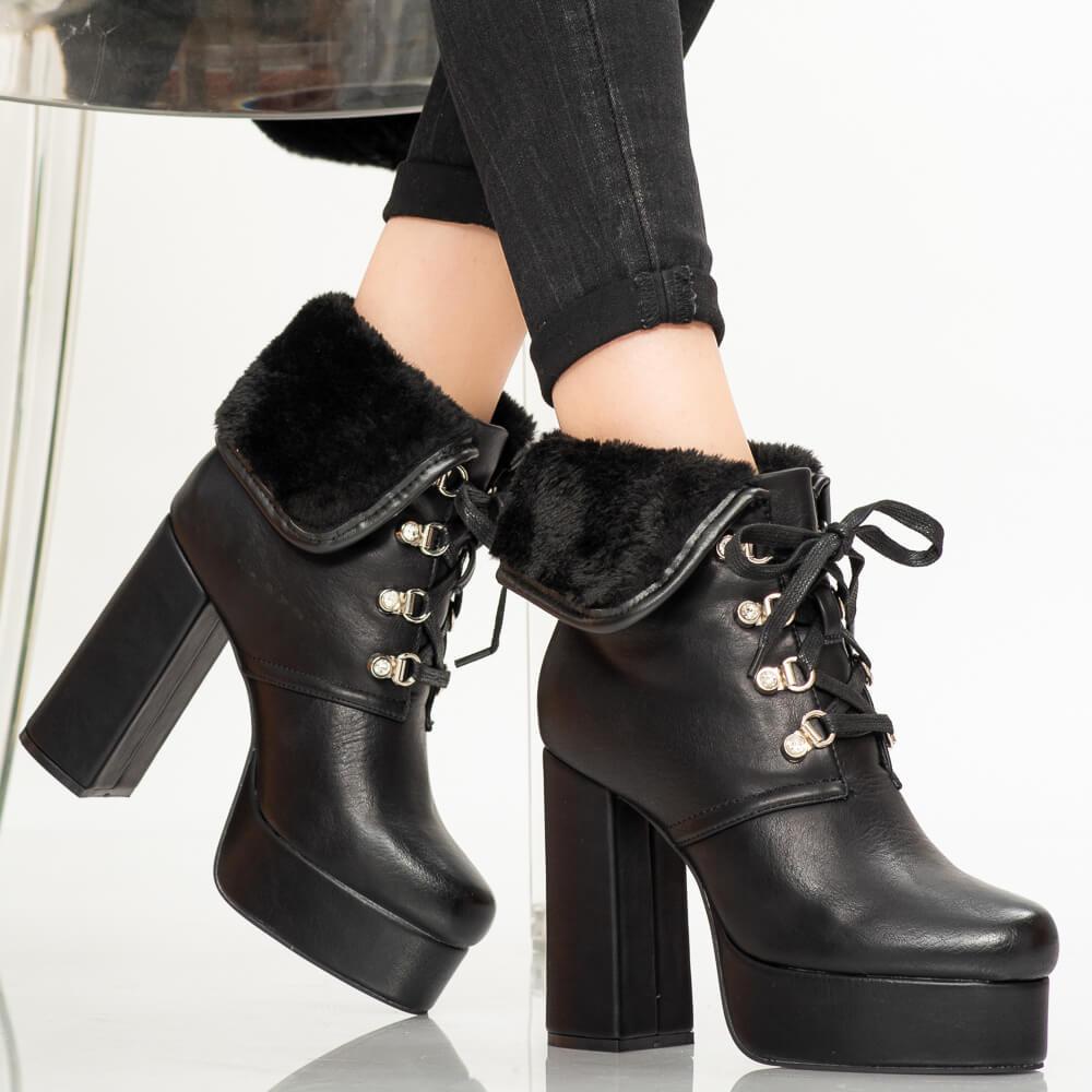 Papuci dama Laco albi
