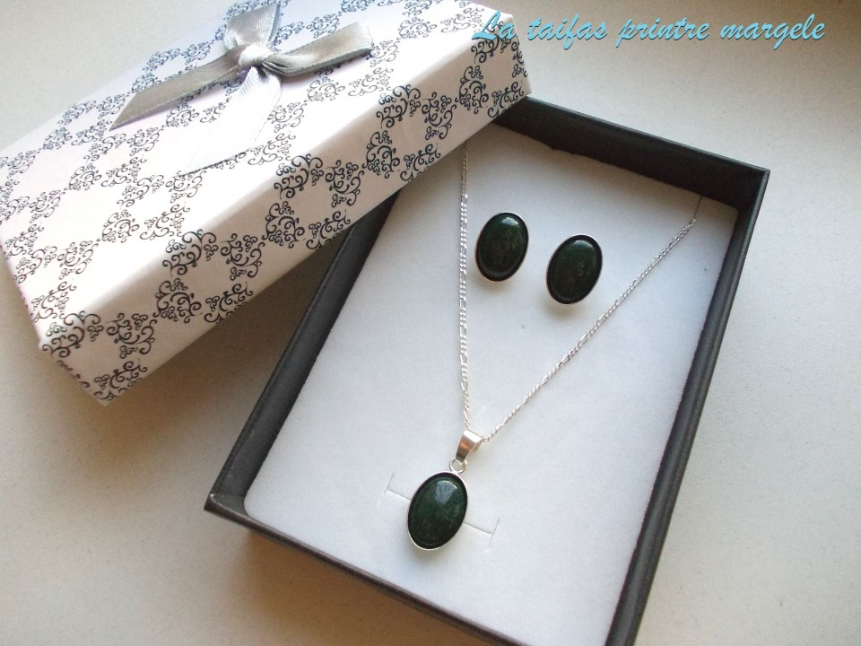 Jade sterling silver pendant and earrings set with chain