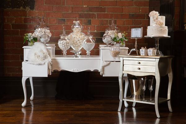 MOBILIER CANDY BAR