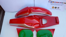 BULTACO PURSANG MK4 BODY KIT MODEL 68 GAS TANK FENDERS PURSANG MK4 GAS TANK PURSANG MK4 FENDERS imágenes