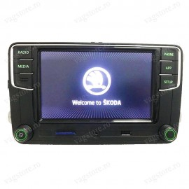 RCD330G Plus Touchscreen Bluetooth USB AUX MirrorLink pentru SKODA