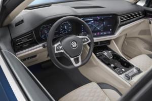 Kit complet retrofit Camera Marsarier Highline VW Touareg CR7 dupa 2018
