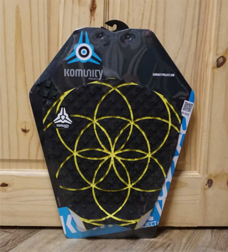 Surfboard tail pad from Komunity Project yellow arcs
