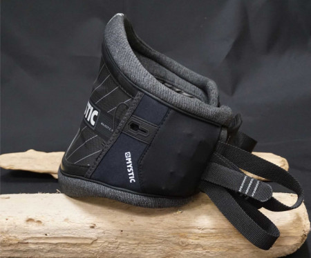 Bionic Carbon core in this mystic kite harness