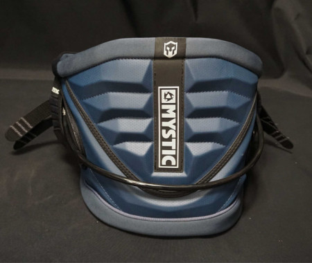 The Warrior V kite harness from Mystic
