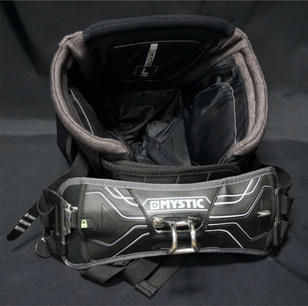 Mystic Driver seat harness with Banana spreader bar