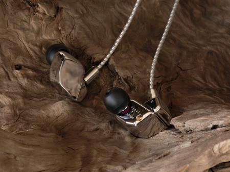 Cuffia In-Ear Hi-Fi Final Audio A8000