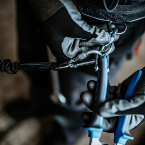 Clesti cu varfuri semirotunde indoite si tais lateral cu inel pentru carabiniera - 512/1BI-H