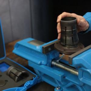 Extractor pentru inele interioare ale rulmentilor 2038
