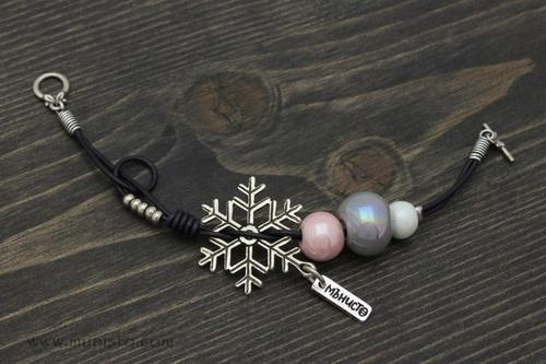Дамска гривна Снежни топки изображения