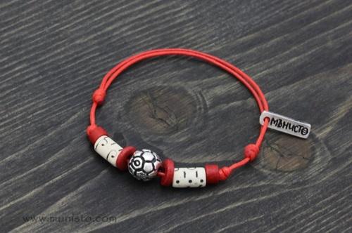 Мартеничка гривна Футболна топка изображения