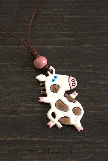 Медальон Танцуваща крава изображения