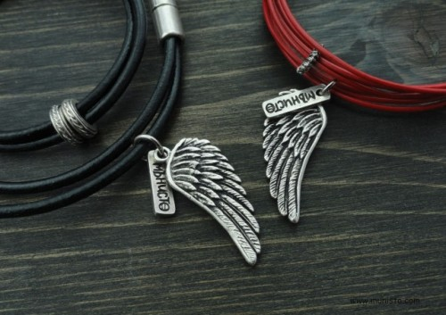 Комплект гривни Крила - дамска и мъжка изображения