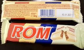 ROM. Baton de ciocolata alba cu crema de caramel sarat, rom si arahide Autentic 44g