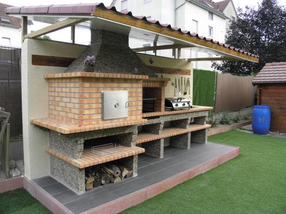 construire un barbecue en briques avec chemine great comment raliser un barbecue with. Black Bedroom Furniture Sets. Home Design Ideas
