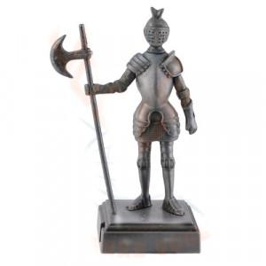 Ascutitoare creioane in forma de cavaler medieval cu halebarda 10 cm