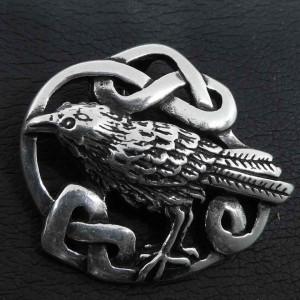 Pandantiv argint Corb cu nod celtic