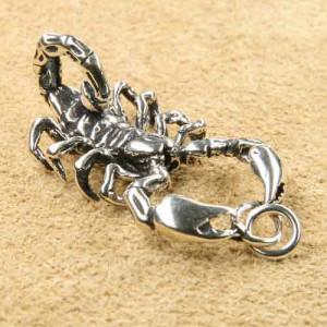 Pandantiv argint Scorpion