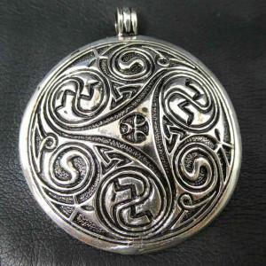 Pandantiv argint Triskelion 5.7 cm