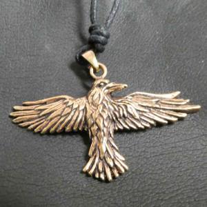 Pandantiv bronz Zborul Corbului