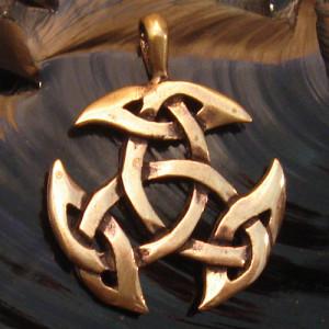 Pandantiv celtic bronz Triunghi deschis