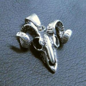 Pandantiv argint Craniu de berbec