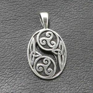 Pandantiv argint Triskelion dublu