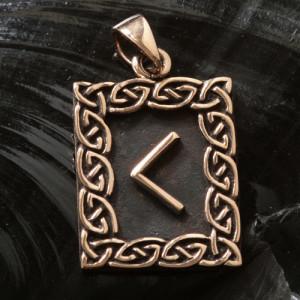 Pandantiv bronz runa Kenaz