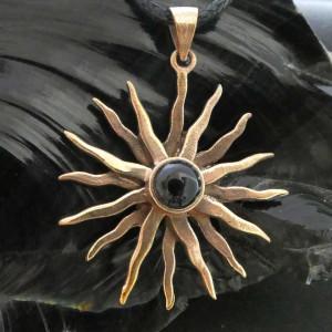 Pandantiv bronz Soare cu onix