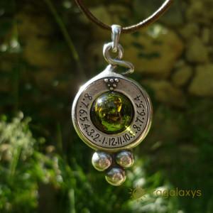 Pandantiv placat argint cu ceas solar Dionis