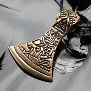 Pandantiv viking bronz Topor