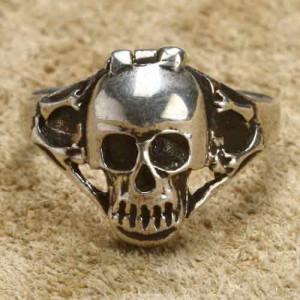 Inel argint Poison Ring Craniu