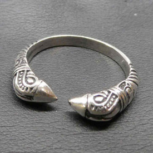 Inel argint viking Capete de Corbi