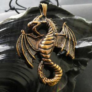 Pandantiv bronz Dragon inaripat