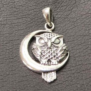 Pandantiv argint Bufnita pe luna 2.8cm