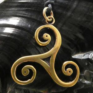 Pandantiv bronz Triskelion 4cm