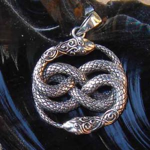 Pandantiv talisman argint Serpi Auryn