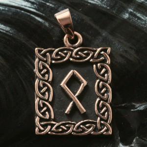 Pandantiv talisman din bronz cu runa Othala