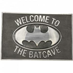 Pres usa licenta DC Comics - Batcave