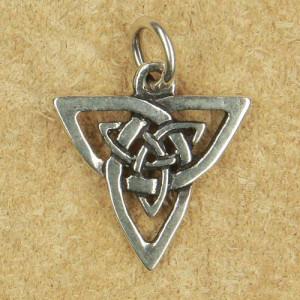 Pandantiv argint Nod celtic