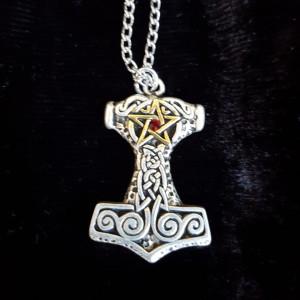 Pandantiv talisman Ciocanul lui Thor