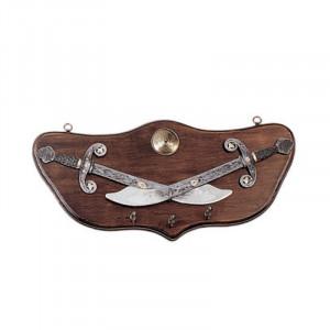 Suport de chei medieval din lemn Iatagane