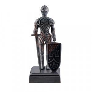 Ascutitoare creioane in forma de cavaler medieval cu scut si sabie 10 cm