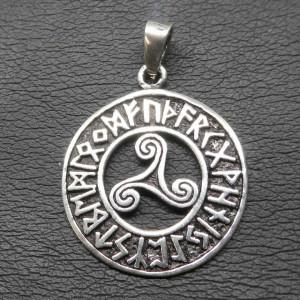 Pandantiv argint Triskelion cu rune