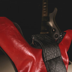 Gentuta in forma de chitara Red Hot