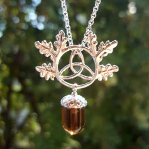 Pandantiv cristal Ghinda norocoasă cu triskelion