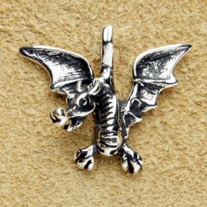 Pandantiv argint Dragon inaripat