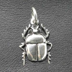 Pandantiv argint Scarabeu