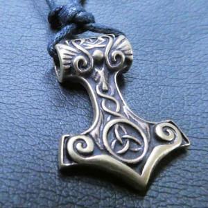 Pandantiv bronz Ciocanul lui Thor cu nod celtic