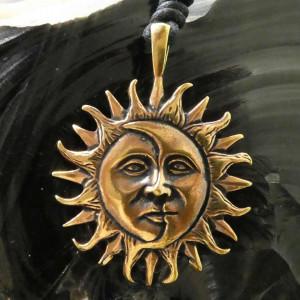 Pandantiv bronz Luna si Soare - Eclipsa